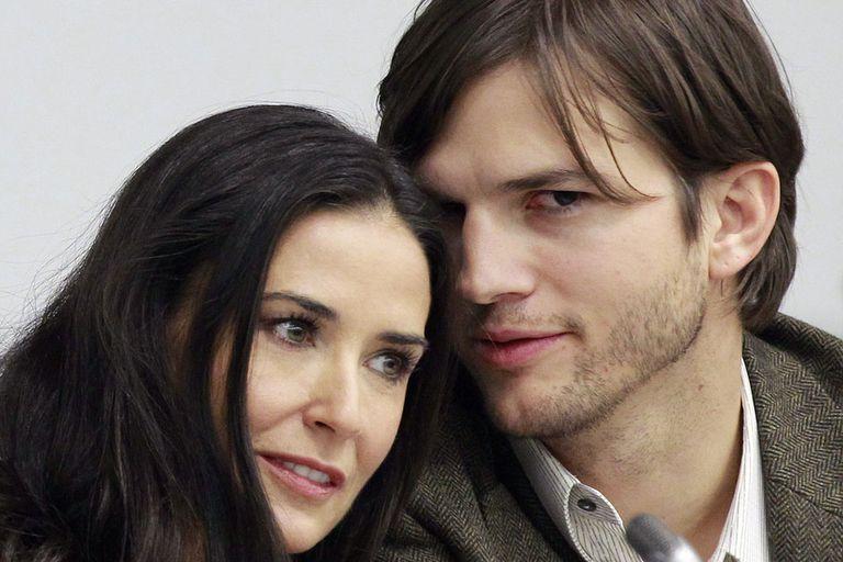 Demi Moore le llevaba 16 años a Ashton Kutcher y vivieron una relación muy intensa hasta que se terminó por una supuesta tercera en discordia