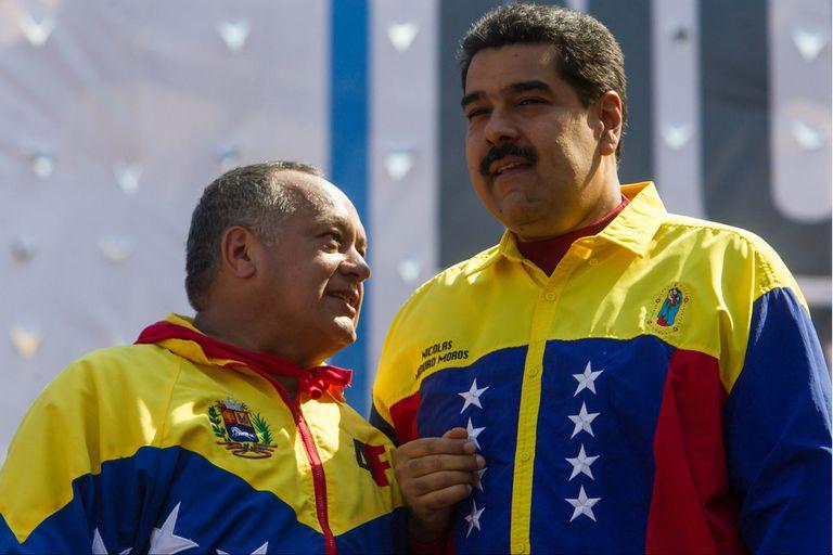 Diosdado Cabello en un acto con Nicolás Maduro