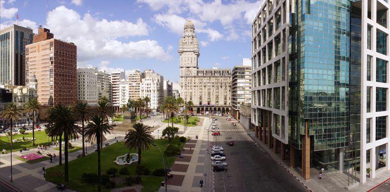 En este escenario con nuevas reglas y alta incertidumbre, Montevideo seduce por su estabilidad y rentabilidad.