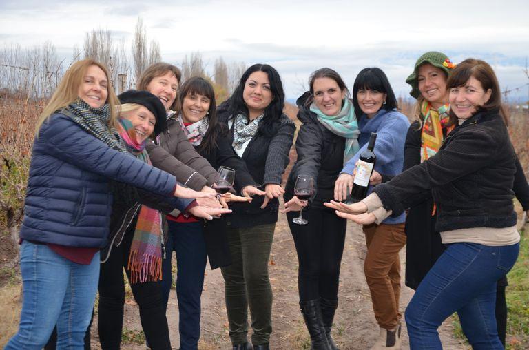 Parte del grupo de productoras mendocinas que se unieron para darle valor a sus uvas. Gentileza Geraldine De Marchi