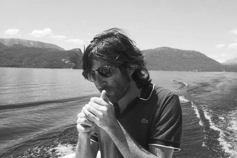 """Juan Arabia. Poeta, editor y traductor: """"Básicamente, me dedico a la poesía todo el día"""""""