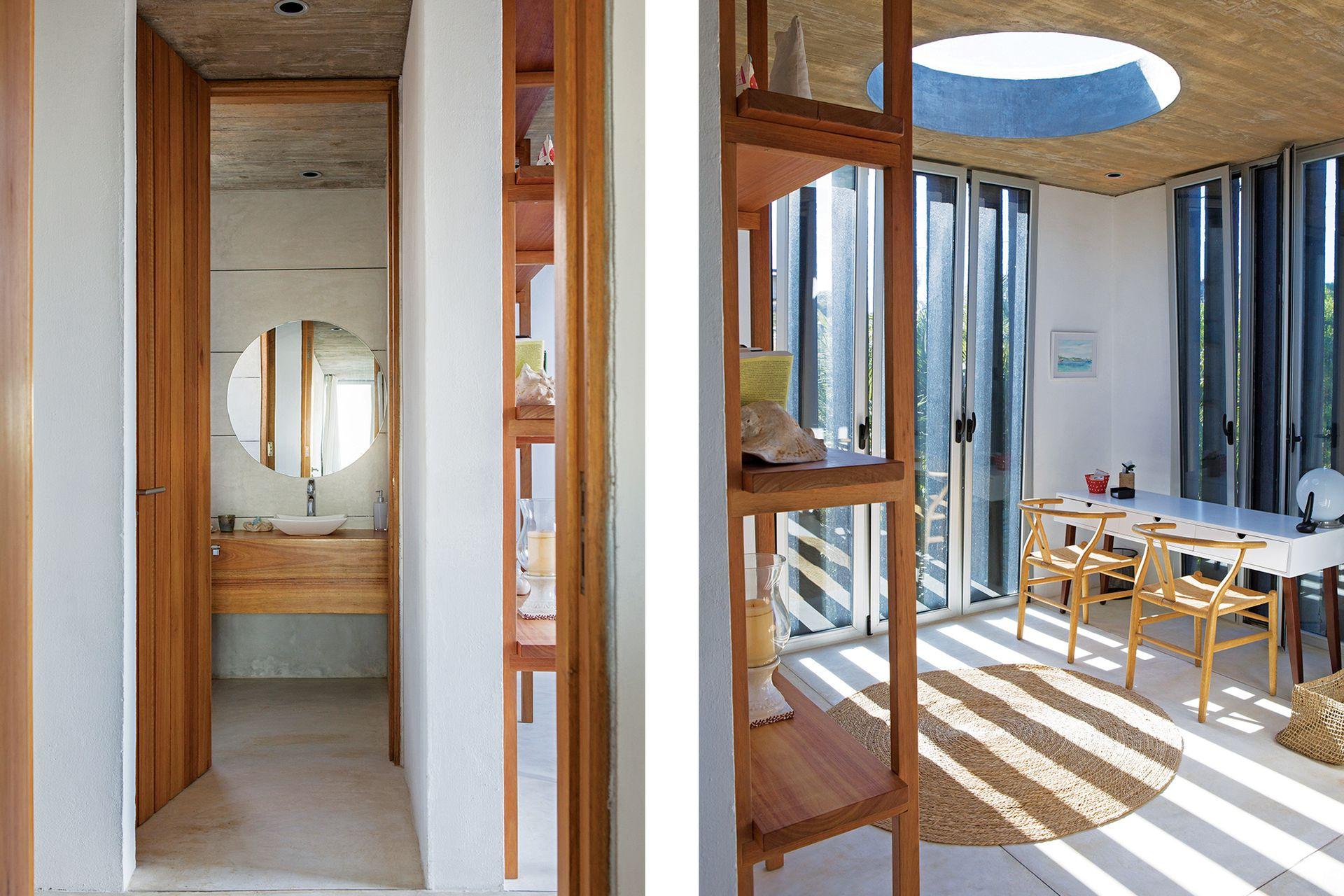 Junto a la entrada principal, el sector de escritorio con mueble laqueado, sillas 'Wishbone' (todo de Mad for Modern), biblioteca de eucalipto y, a continuación, el toilette de recepción.