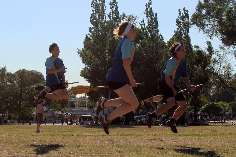 Quidditch, el deporte de Harry Potter que se juega en la espera del nuevo libro