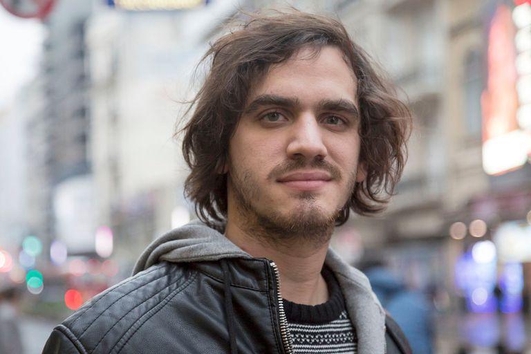 Agustín Iannone encarna a Claude en la nueva versión de Hair