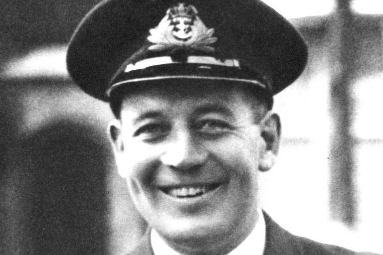 Teniente Comodoro Edward Tomkinson, capitán del Urge, que pereció junto a toda su tripulación en las proximidades de la isla de Malta