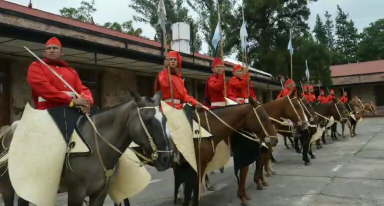 La donación de caballos que le cambiará la vida a un histórico regimiento