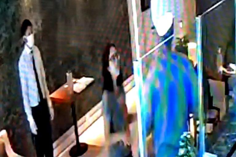 """El intento de """"rescate"""" de la mujer en cuarentena quedó registrado en las cámaras de seguridad del hotel"""