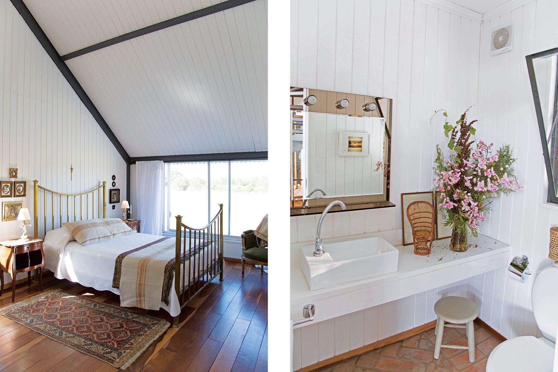 El toilette contrasta la claridad de la madera y los artefactos con el piso de ladrillos trabados.