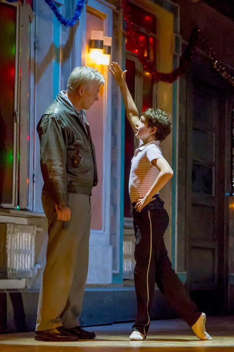 El pequeño Billy Hanna y Deka Walmsley, en Billy Elliot