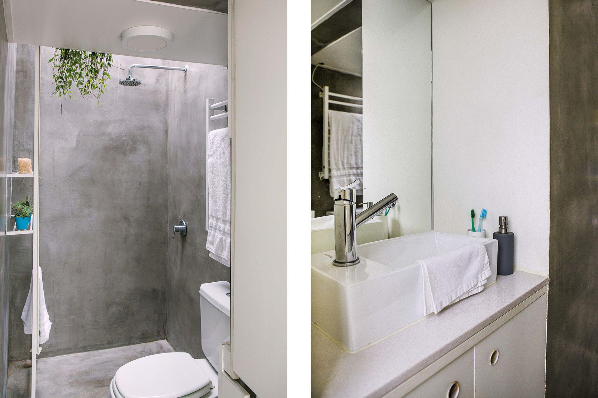 El parquet original y el revestimiento del baño se reemplazaron por microcemento continuo.