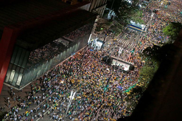 Manifestantes en las calles de Brasil piden prisión para Lula