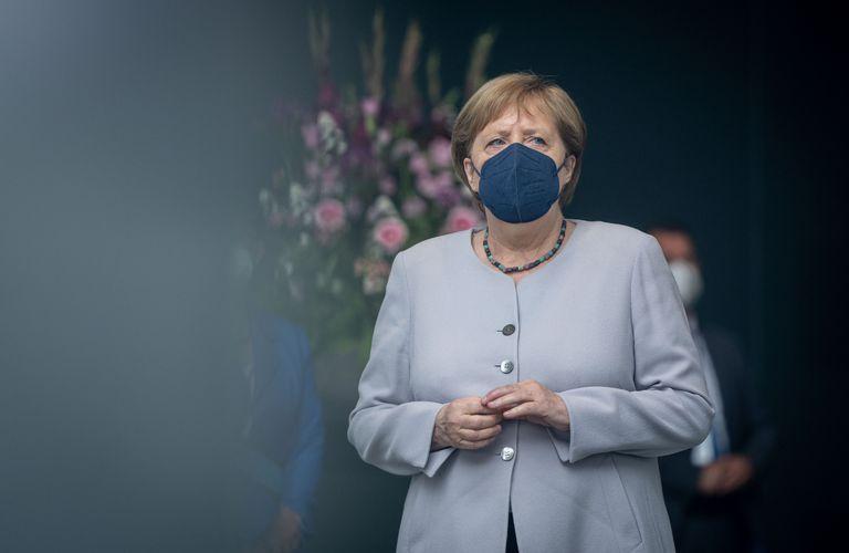 Merkel recibió una segunda dosis de Moderna tras vacunarse primero con AstraZeneca el 16 de abril