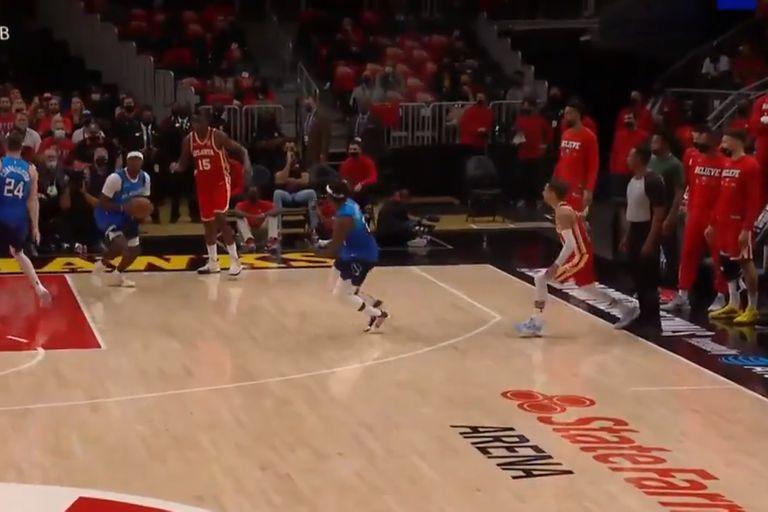 La revelación de los playoffs de la NBA, lesionado... por un árbitro