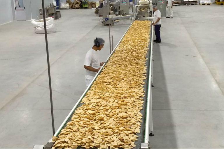 Tras invertir US$5 millones, Molinos Ala inauguró una planta de snacks de arroz