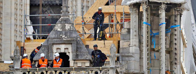 Notre Dame: la estructura se debilitó y puede ceder ante vientos fuertes