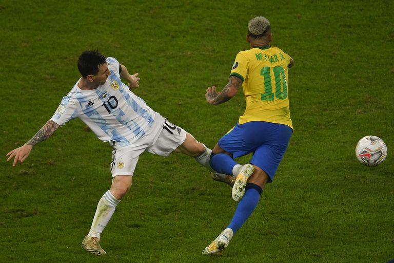 Messi y Neymar, íntimos amigos, ya se enfrentaron cinco veces con las camisetas de Argentina y Brasil