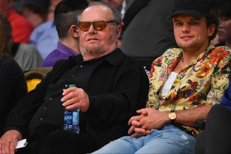 Jack con su hijo Ray, el 4 de abril de este año viendo a los Lakers