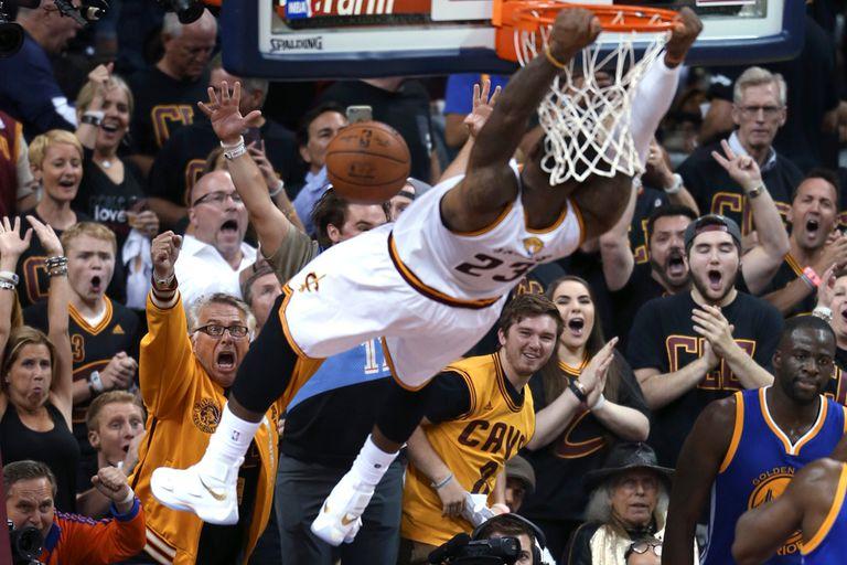 LeBron James fue decisivo para el triunfo de los Cavaliers