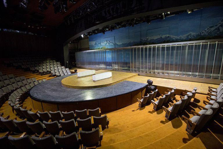 Y un día se levantó el telón: hoy reabren los teatros porteños