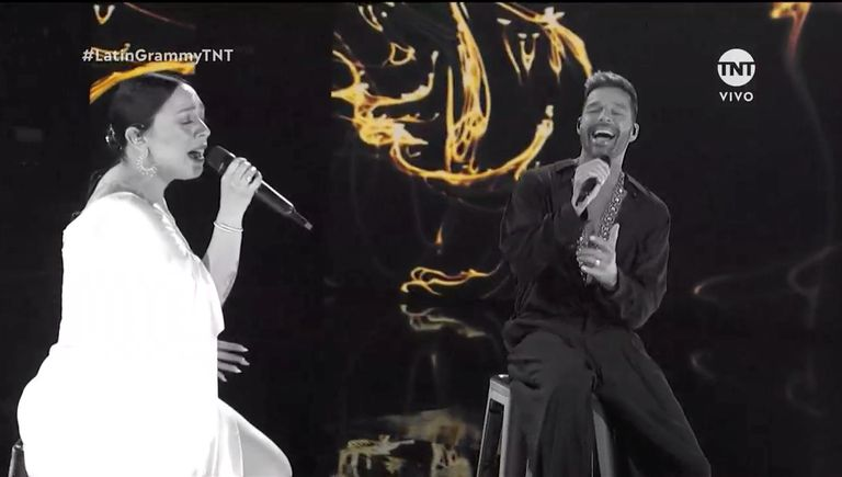 Ricky Martin con Carla Morrison