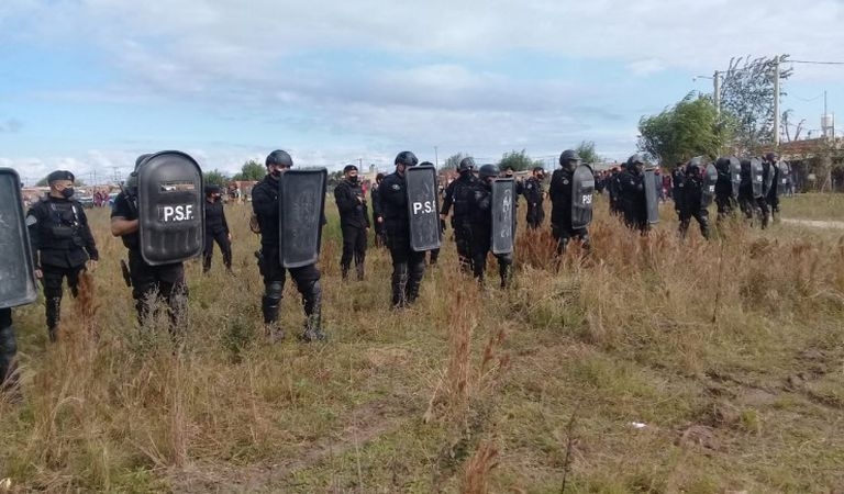 Más de 400 personas usurparon un terreno en Reconquista