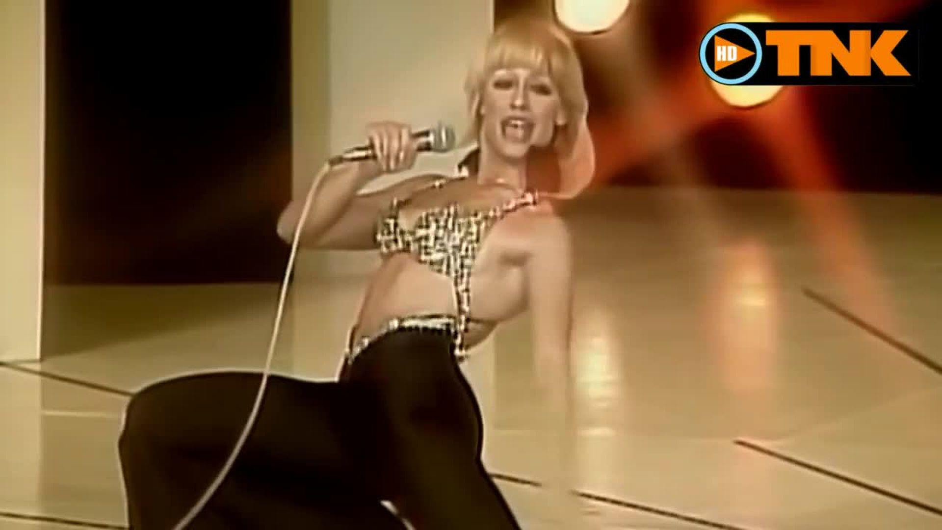 Desde sus inicios, Raffaella Carrà desplegó un estilo propio en el que contagiaba una sensualidad naif