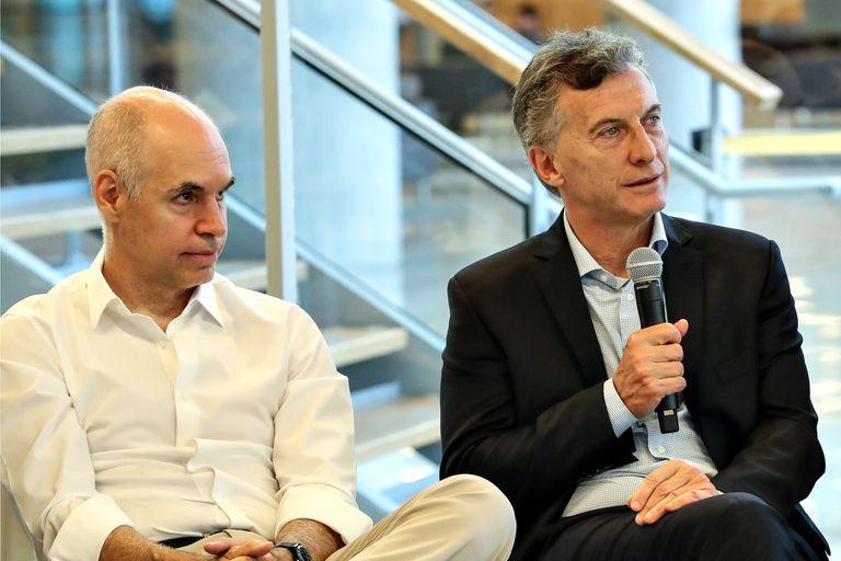 Mauricio Macri con Horacio Rodríguez Larreta, quien impulsa un regreso a las aulas anticipado.