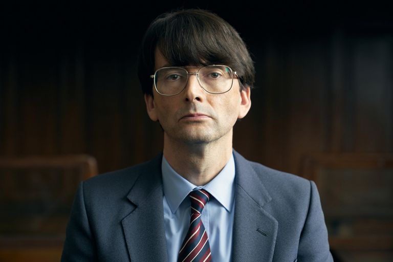 David Tennant como el asesino serial británico Dennis Nielsen, en la miniserie Des