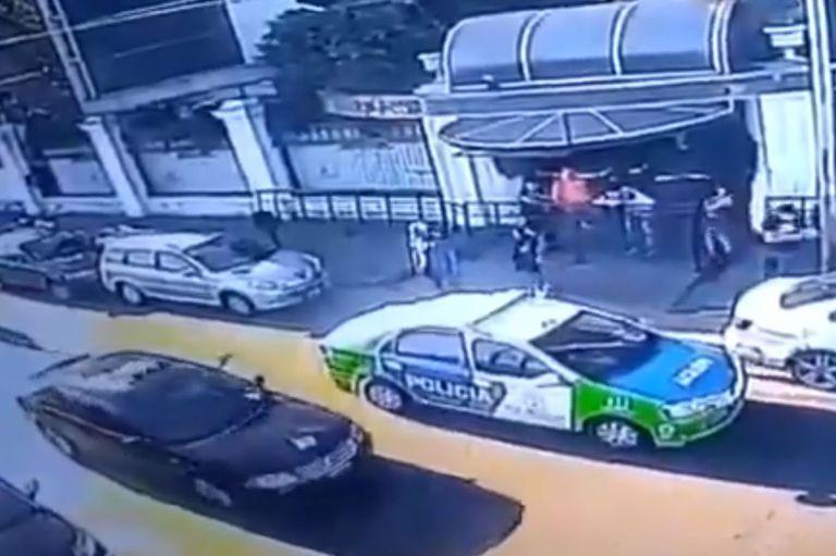La víctima fue identificada como Leonardo Martínez, quien era relacionista público del lugar