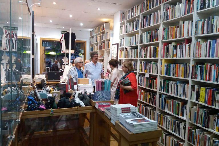 Madrid. Son argentinos y triunfan con una librería