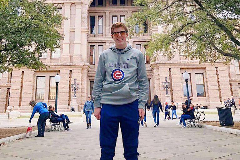 Benjamin Kagan, de 14 años, creó un sistema online para ayudar a la gente de Chicago a vacunarse
