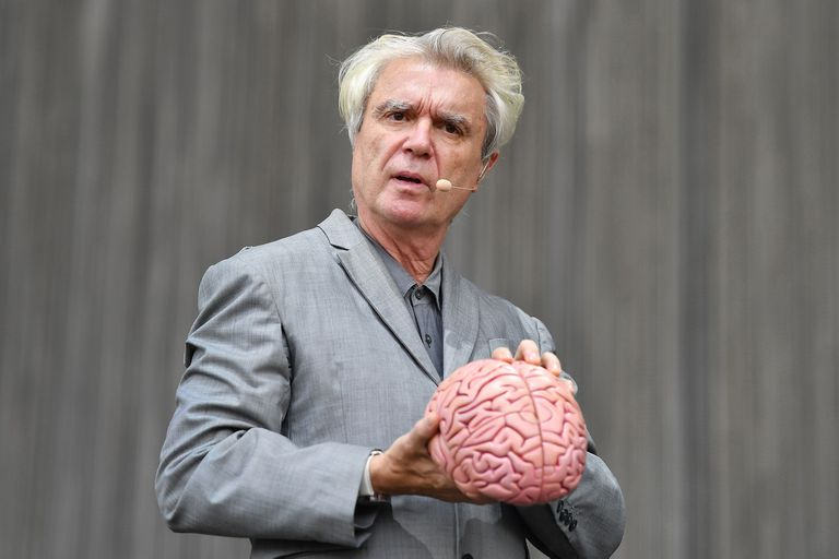 David Byrne publicó una selección de covers en formato de playlist