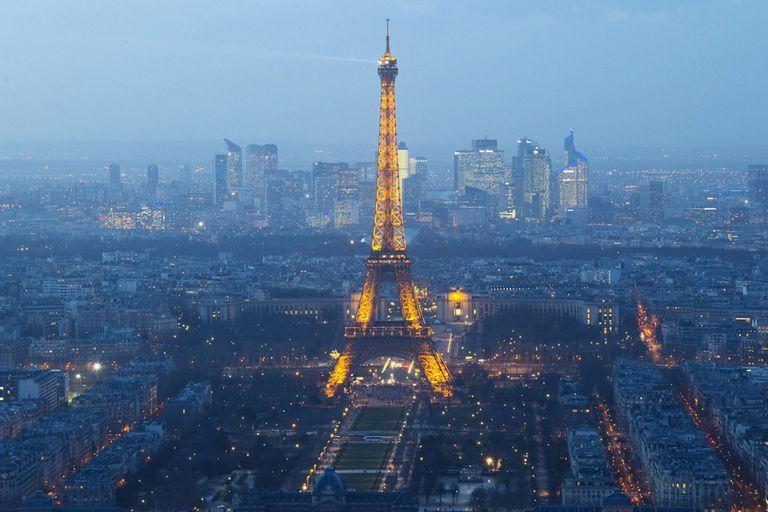 En Europa, publicar una foto de la torre Eiffel requiere un permiso de la la Sociedad de Explotación de la Torre Eiffel