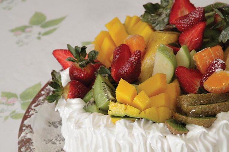 Torta con frutas de estación