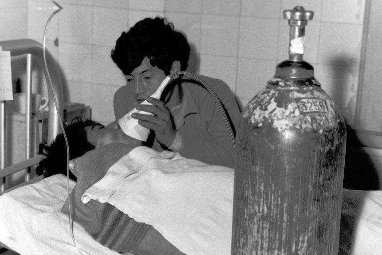 Asistencia a los heridos en el hospital Pirovano el 23 de junio de 1968 tras la tragedia de la Puerta 12