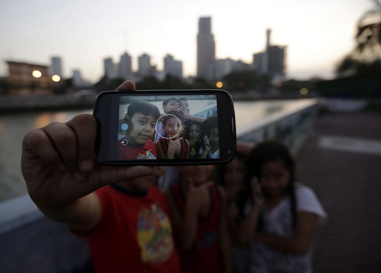 """Las """"selfies"""" podrían tener efectos secundarios para quien ve las fotos"""