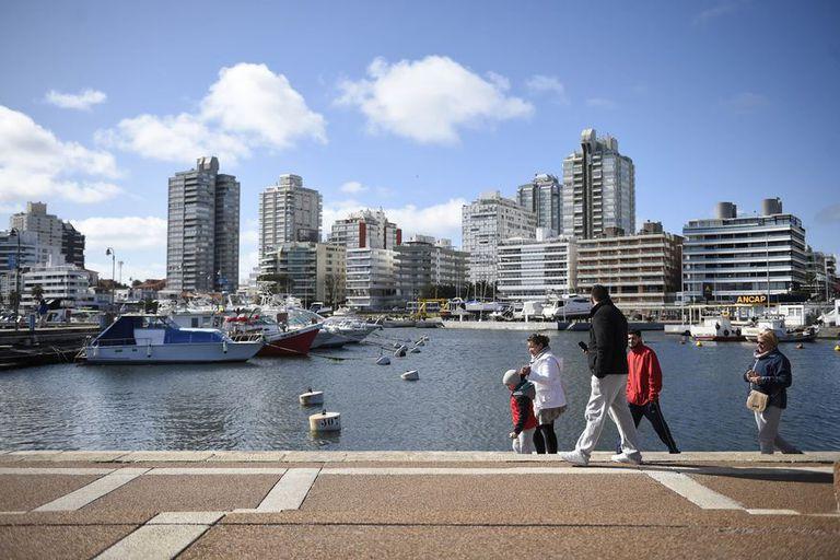 Propietarios argentinos rechazan pagar el impuesto inmobiliario en Uruguay