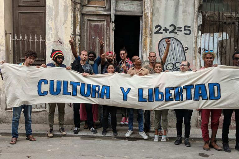 Artistas del Movimiento San Isidro en la calles de La Habana