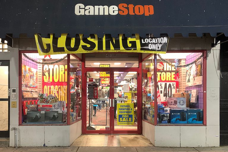 Reventó la burbuja: la acción de GameStop pierde 40% en Wall Street