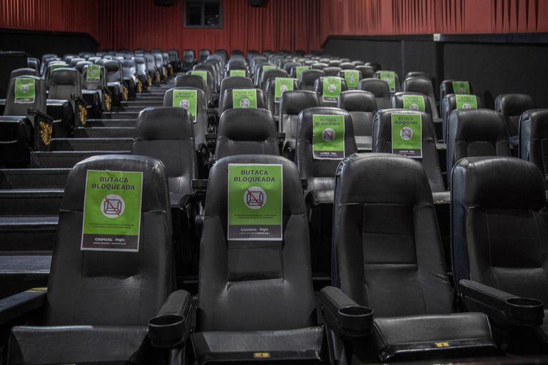 En el Cinemark Palermo, las butacas ya están preparadas según el protocolo que espera aprobación del Gobierno