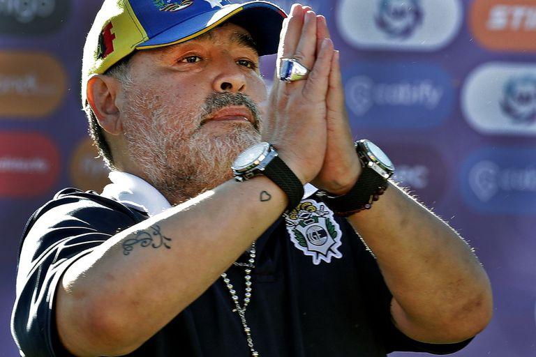 Diego Maradona se entrevistó a sí mismo en su programa, La Noche del 10, en 2005, y allí confesó qué se diría a sí mismo en su funeral