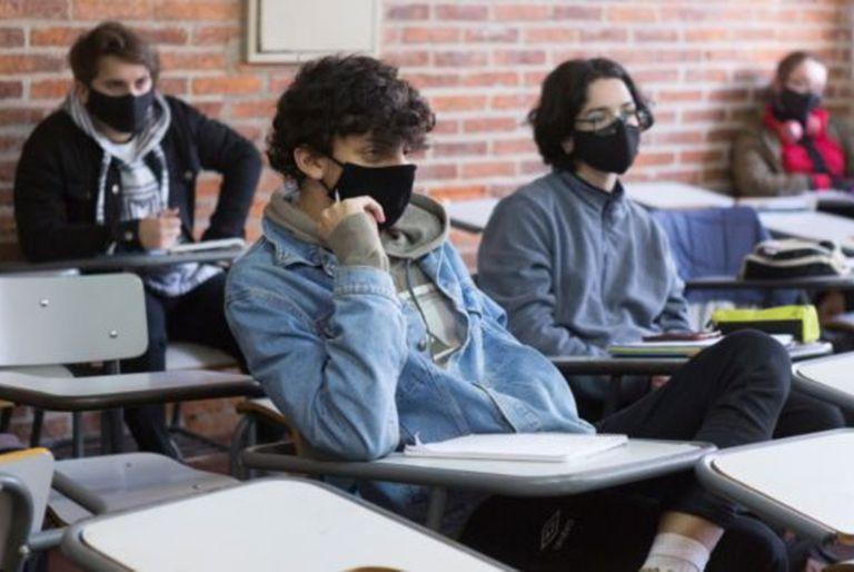 Según datos del gobierno publicados a mediados de julio, más del 70% de los estudiantes de educación media retornaron a las aulas.