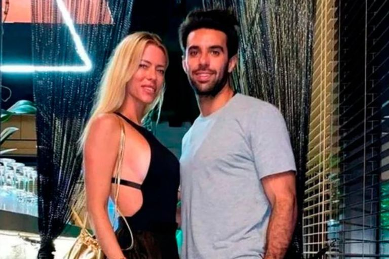 Nicole Neumann viajó a Miami junto a su novio