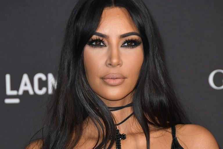 Gran parte de los ingresos de Kim Kardashian -cuya fortuna se calcula en US$750- proviene de su participación en la marca de cosméticos y productos de belleza que lleva sus iniciales: KKW