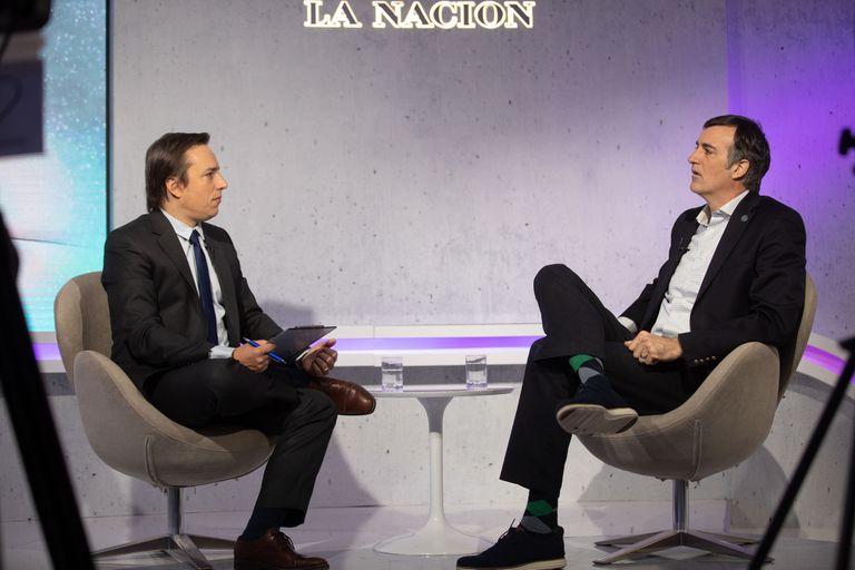 José Del Río, secretario general de Redacción de LA NACION, entrevistó al senador Esteban Bullrich durante un encuentro con emprendedores