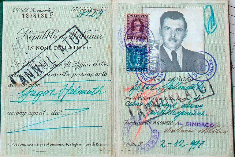 El pasaporte italiano con el que llegó Josef Mengele a Buenos Aires