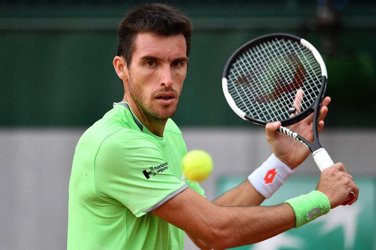 Mayer ganó, llegó a los octavos de final de Roland Garros y va contra Federer