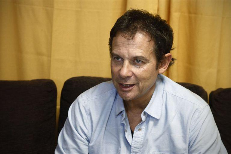 El senador de Santa Cruz Eduardo Costa fue trasladado ayer a Buenos Aires y está internado en Los Arcos
