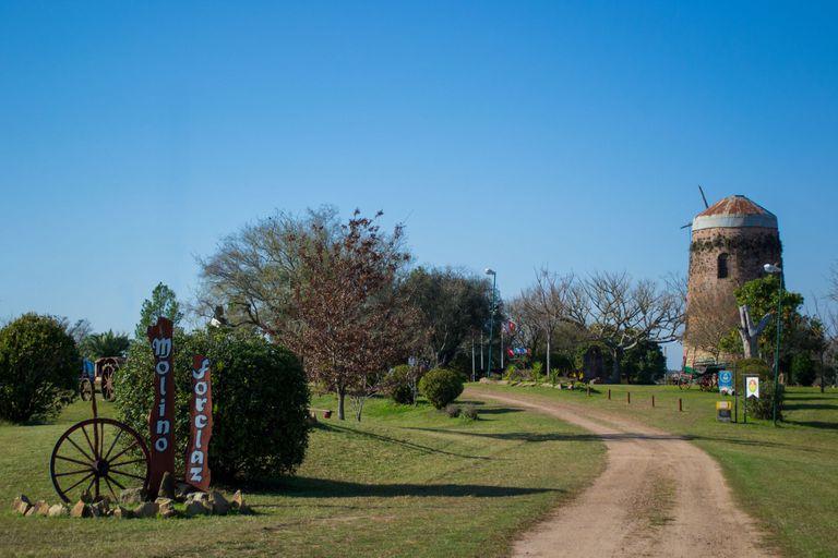 El museo cuenta con un predio de 5 hectáreas en las que está emplazado el molino a viento y la casa de los Forclaz