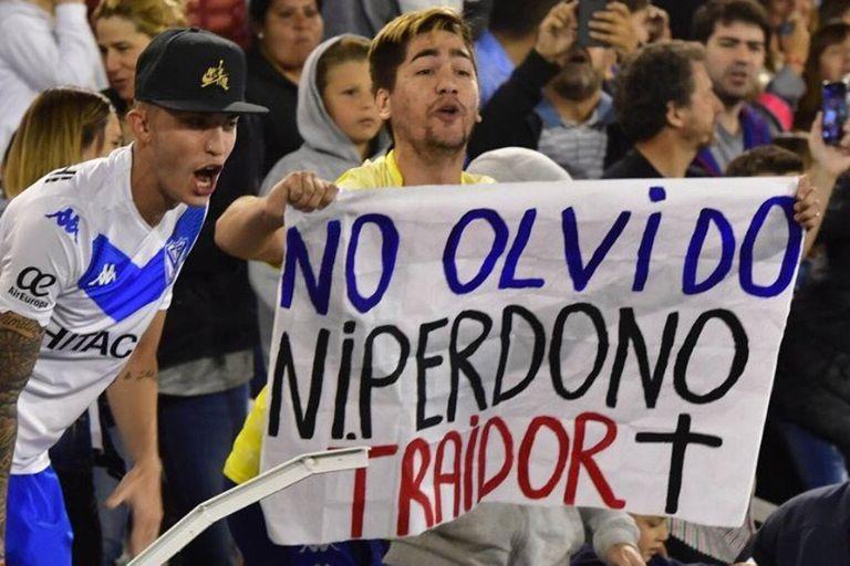 Vélez. Dura sanción al dueño de la bandera contra Zárate y el apoyo de Chilavert